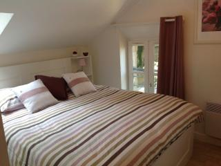 Romantic 1 bedroom Bayeux House with Internet Access - Bayeux vacation rentals