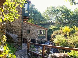 Cozy 3 bedroom Santiago de Compostela Watermill with Internet Access - Santiago de Compostela vacation rentals