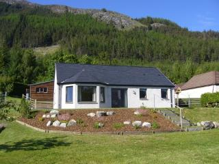2 bedroom Bungalow with Internet Access in Kyle of Lochalsh - Kyle of Lochalsh vacation rentals