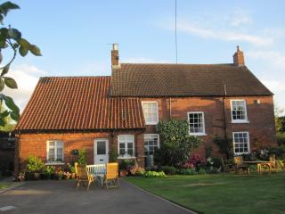 Beautiful 2 bedroom Market Rasen Bed and Breakfast with Television - Market Rasen vacation rentals