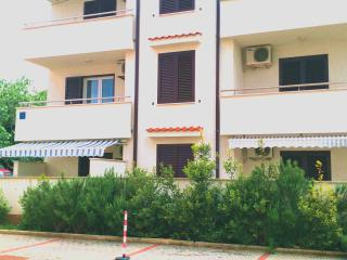 Charming 1 bedroom Condo in Punat - Punat vacation rentals