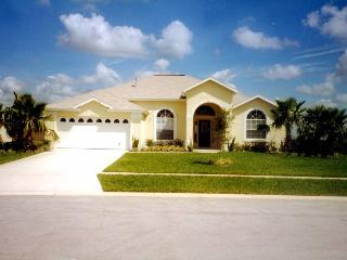 Gorgeous Tangerine Villa with Pool and free WiFi!! - Clermont vacation rentals
