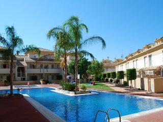 Nice Townhouse in Los Alcazares with Internet Access, sleeps 7 - Los Alcazares vacation rentals