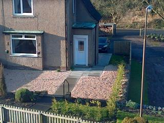 Comfortable 2 bedroom Linlithgow House with Internet Access - Linlithgow vacation rentals