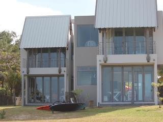 Crystal water on the beach/villa de vacance - Poste Lafayette vacation rentals