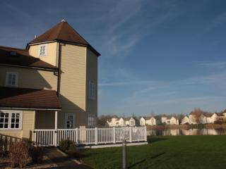 Bright House with Internet Access and Tennis Court - South Cerney vacation rentals