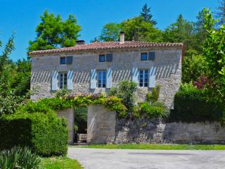 Charming House with Internet Access and Satellite Or Cable TV - Saint-Martin-de-Vers vacation rentals