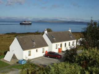 Nice 3 bedroom Craignure Cottage with Internet Access - Craignure vacation rentals