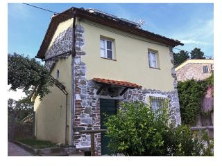 Charming House with Television and Balcony - Gignano di Brancoli vacation rentals