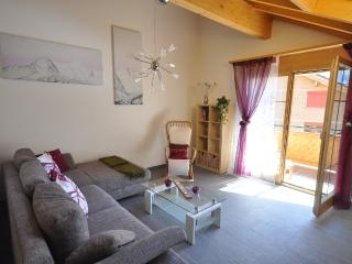 Perfect Condo with Internet Access and Television - Lauterbrunnen vacation rentals