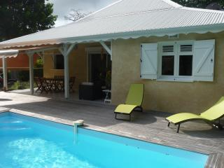 Beautiful House with Grill and Towels Provided - Saint-François vacation rentals