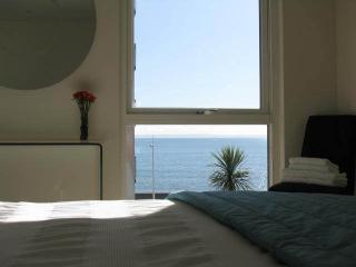 Nice 2 bedroom Condo in Swansea - Swansea vacation rentals