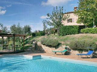 Casa del Lupo, warm pool, spacious house - Lisciano Niccone vacation rentals