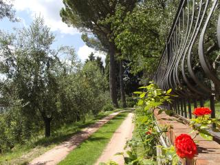 2 bedroom Farmhouse Barn with Internet Access in Bagno a Ripoli - Bagno a Ripoli vacation rentals