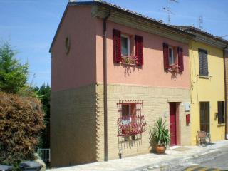 Casa Vacanze b&c ... la Tua Casa nelle Marche! - Mondolfo vacation rentals