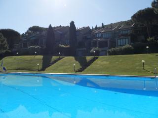 ELEGANTE APPARTAMENTO - Punta Ala vacation rentals