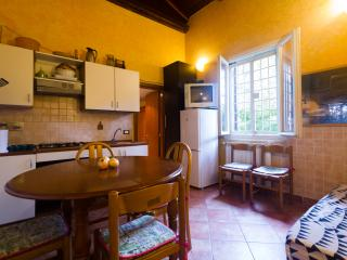 Central Studios 18 seats from 20€ - Rome vacation rentals