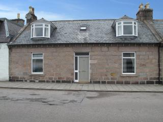 Bright 3 bedroom Ballater Cottage with Internet Access - Ballater vacation rentals