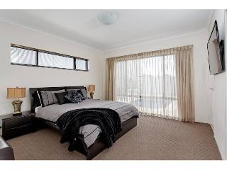 Perfect 3 bedroom Perth House with Internet Access - Perth vacation rentals