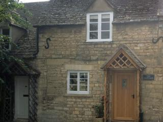 Charming Cottage with Satellite Or Cable TV and Internet Access - Winchcombe vacation rentals