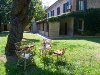 Nice Farmhouse Barn with Central Heating and Towels Provided - Tavullia vacation rentals