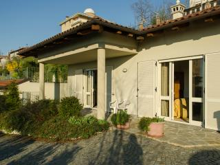 Lovely House with Short Breaks Allowed and Washing Machine - Alba vacation rentals