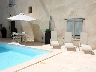 Family friendly house with heated courtyard pool - Pouzolles vacation rentals