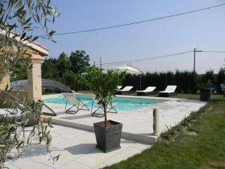 Nice 1 bedroom Guest house in Saint-Nicolas-de-la-Grave - Saint-Nicolas-de-la-Grave vacation rentals