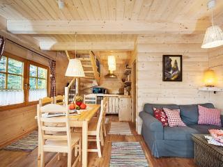 Comfortable 2 bedroom Zakopane Cottage with Internet Access - Zakopane vacation rentals