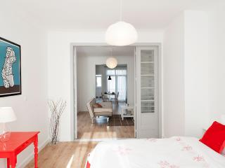 South Side Suite Antwerp-Zuid - Antwerp vacation rentals