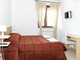 Dimora Mariù B&B -Casa Vacanze - Taranto vacation rentals