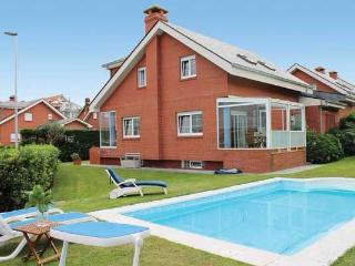 Lovely Chalet with Television and Microwave - Santander vacation rentals