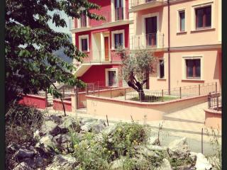 Cozy 2 bedroom Townhouse in Battipaglia - Battipaglia vacation rentals