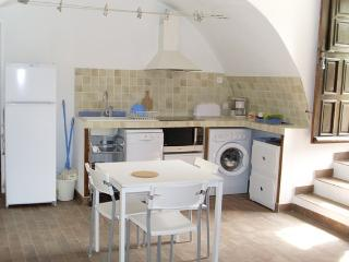 Bright Apartment with Dishwasher and Short Breaks Allowed - Calvi vacation rentals