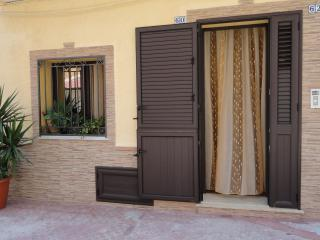 Cozy 3 bedroom Bolognetta House with Deck - Bolognetta vacation rentals