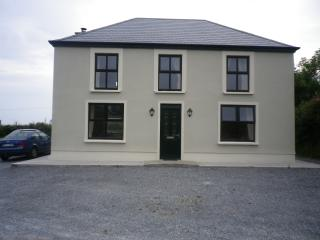 Bright 4 bedroom House in Ventry - Ventry vacation rentals