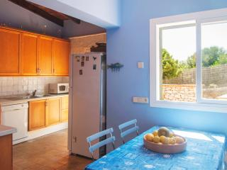 Perfect Chalet with Internet Access and Dishwasher - Porto Colom vacation rentals