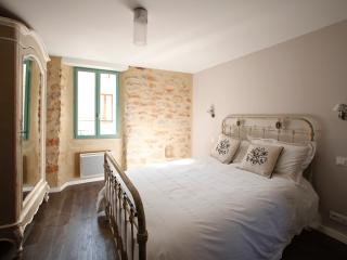 LUXURIOUS NEWLY CONVERTED HOUSE - Vivre la Vie - Ribaute vacation rentals