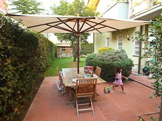 2 bedroom Apartment with Internet Access in Viareggio - Viareggio vacation rentals