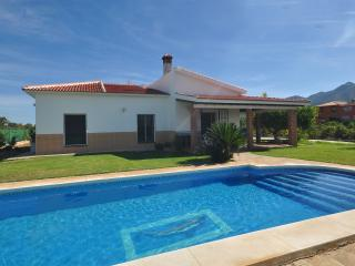 Great Country Villa 20 mins to Beaches. Pool, Wifi - Alhaurin de la Torre vacation rentals