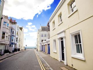 The White Cottage in the heart of Brighton - Brighton vacation rentals