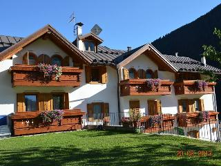 2 bedroom House with Internet Access in Cogolo di Pejo - Cogolo di Pejo vacation rentals