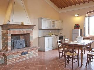 Cozy 3 bedroom House in Terontola with Deck - Terontola vacation rentals