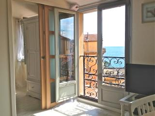 Sea View & Ideally situated Vieux Nice apartment - Nice vacation rentals
