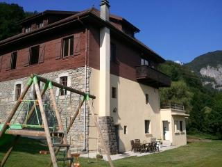 Nice Gite with Internet Access and Television - Chatillon-sur-Cluses vacation rentals