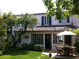 Nice 4 bedroom La Couarde House with Internet Access - La Couarde vacation rentals