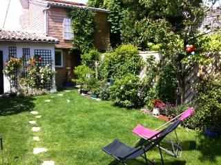 Nice 4 bedroom House in La Couarde with Internet Access - La Couarde vacation rentals