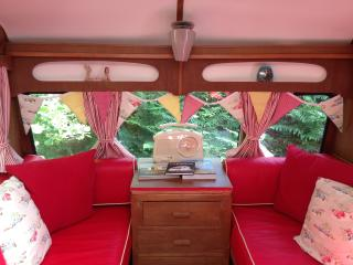 Gorgeous 1 bedroom Faversham Caravan/mobile home with Parking - Faversham vacation rentals