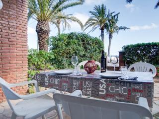 BeachFront apt+gard Barcelona - Castelldefels vacation rentals