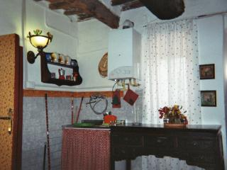 Romantic 1 bedroom Townhouse in Montecastelli Pisano - Montecastelli Pisano vacation rentals